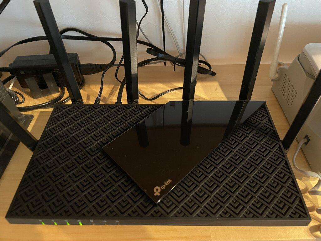 【TP-Link Archer AX73 レビュー】接続台数が増えたらコレ1台、速度も改善する低価格WiFiルーター